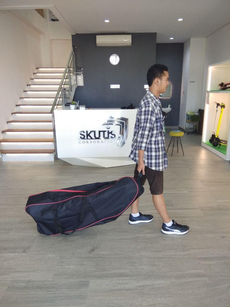 Skutis Bag Large 1 - Skutis Travel Bag